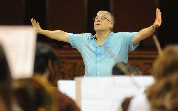 Música maestro. Del Pino Klinge nació en Lima