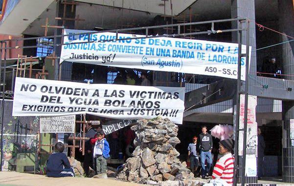 El supermercado Ycuá Bolaños. Las al menos 400 víctimas fatales quedaron atrapadas por el fuego y el humo.