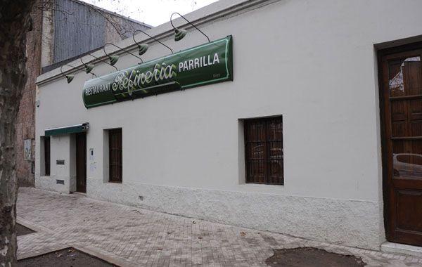 El conocido local gastronómico está a dos cuadras de la comisaría 8ª. (Foto: A. Amaya)