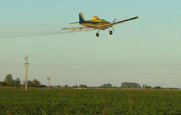 La ordenanza impone que la aspersión aérea debe hacerse a  2 mil metros de la zona urbanizada