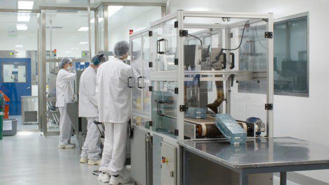 Argentina produjo las primeras 150 mil dosis del componente 2 de la vacuna Sputnik V