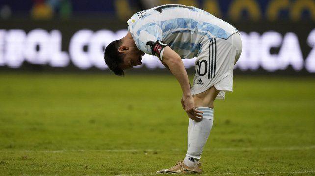 Messi extenuado. Brasilia, Brasil,18 de junio de 2021. Foto AP / Ricardo Mazalan.