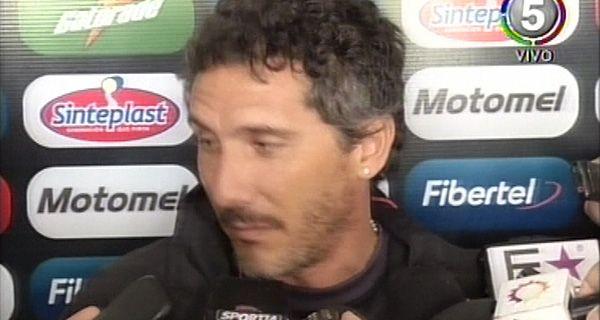 Newells: Cagna asumió ayer y quiere un equipo que se anime a jugar