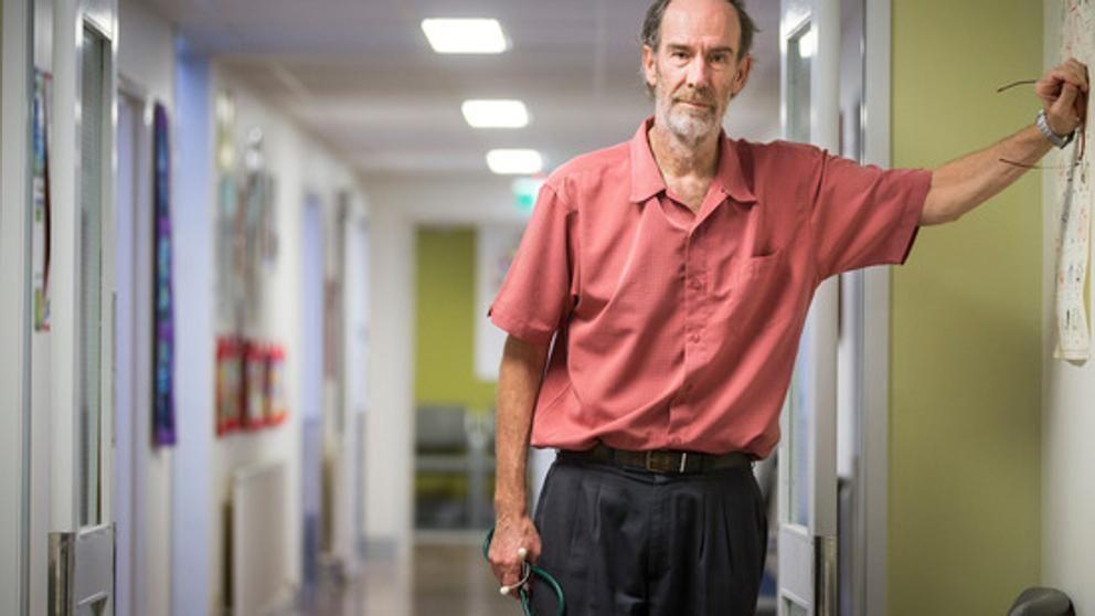 El doctor Kenny Alan