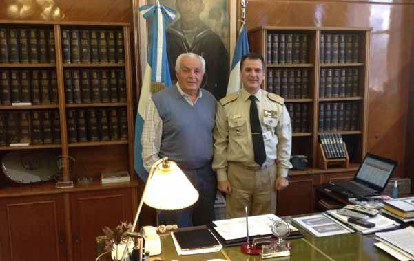 Reunidos. Herme Juárez presentó su plan al prefecto Luis Alberto Heiler.