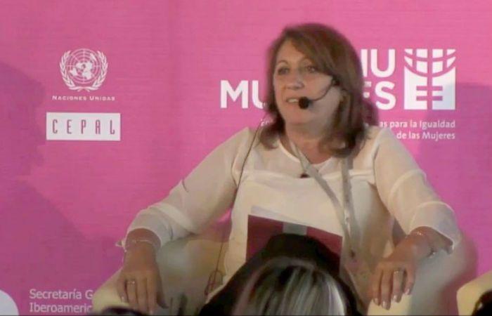La intendenta disertó en La Cumbre Iberoamericana de Género en Chile.