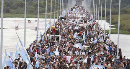 En el corte de Gualeguaychú esperan la llegada de Gendarmería
