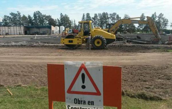 Los trabajos ya comenzaron con el retiro de los escombros y la chatarra