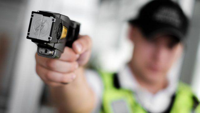 Gendarmería podrá usar pistolas que emiten descargas electrónicas