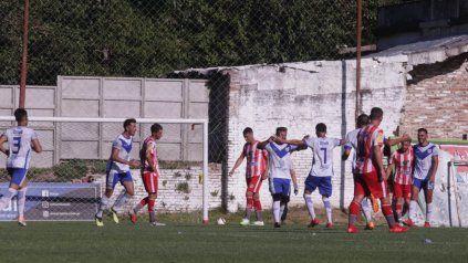 Sportivo Urquiza sorprendió a Atlético Paraná en el Mutio