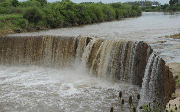 Precaución. La erosión torna muy peligrosas a las barrancas. (Foto: Suárez Meccia)