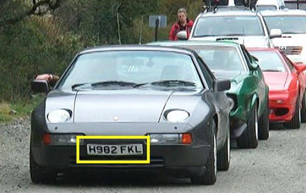 Provocadores. Los integrantes ingleses del programa Top Gear circularon con chapas que decían H982 FKL.