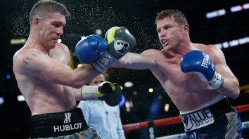 Ambos no pelean desde el pasado noviembre, cuando Alvarez (53-1-2) noqueó a Sergey Kovalev en 11 asaltos para ganar el título del peso semipesado de la OMB y Smith (27-0) ganó por decisión unánime de los jueces a John Ryder en su ciudad natal, Liverpool.