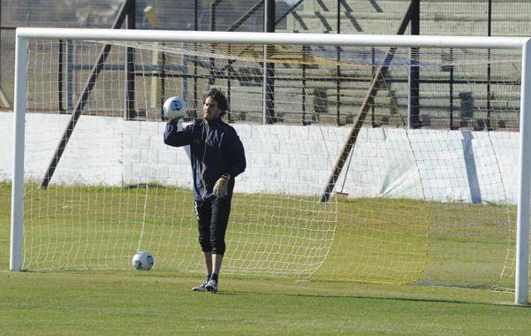 Seguridad. Manuel García aprobó el domingo en su retorno al arco canalla.
