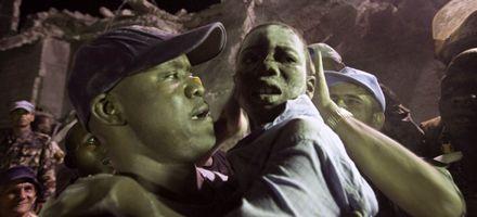 Suman 47 los muertos por el derrumbe de una escuela en Haití