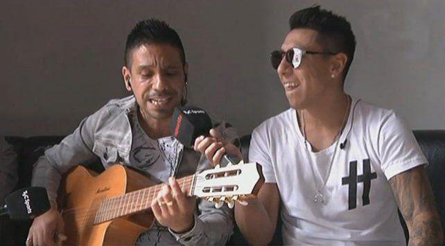 Dúo leproso. Figueroa y Sarmiento mostraron su talento musical en TyC Sports.