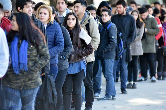 Más de 200 mil jóvenes se acercaron por trabajo a la Expo porteña. Con suerte