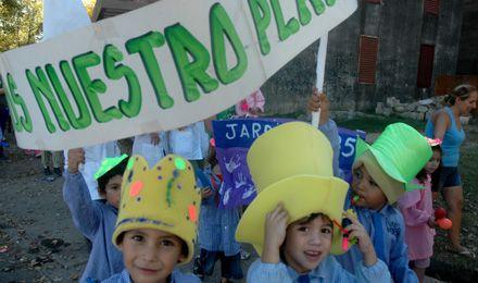 En el Día de la Tierra, chicos rosarinos llamaron a cuidar el planeta y limpiar el barrio