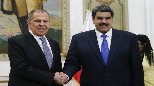 Gesto. Maduro recibió al canciller ruso Serguei Lavrov en Caracas. El vínculo viene de la época de Chávez.