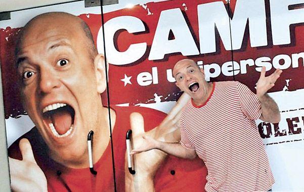A escena. Campi presenta su espectáculo unipersonal en La Feliz.