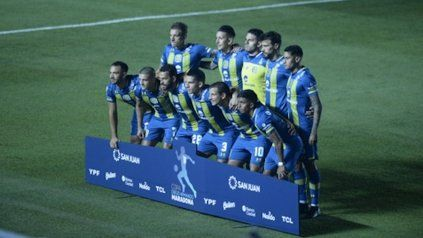 Arriba: Bottinelli, Martínez, Miño, Laso y Ojeda. Abajo: Rinaudo, Marinelli, Gamba, Blanco, Vecchio y Ferreyra.