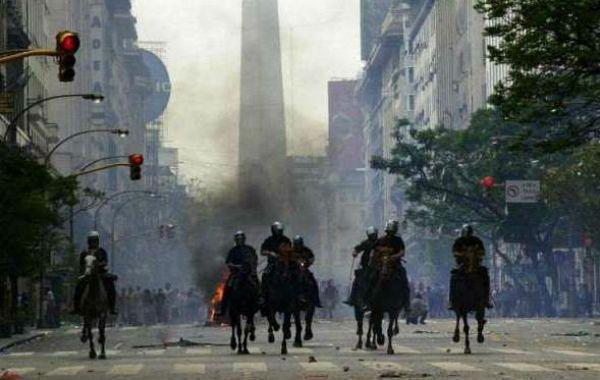 La represión policial dejó decenas de muertos en las manifestaciones de 2001.