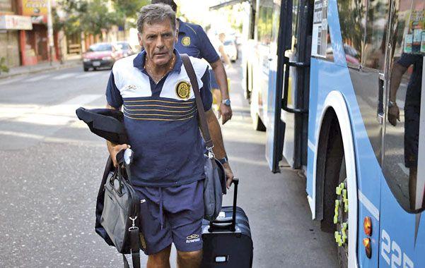 Miguel Angel Russo al llegar a la Docta con el plantel canalla. Foto: H Rio