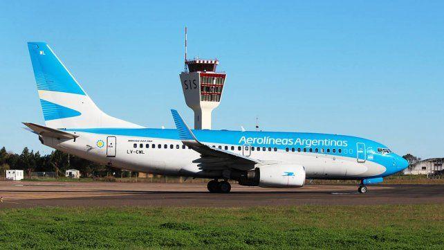 EL DESPEGUE. Uno de los aviones de la empresa nacional.