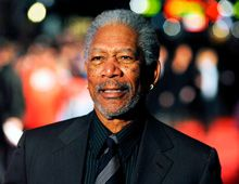 El actor Morgan Freeman quedó grave tras un accidente automovilístico
