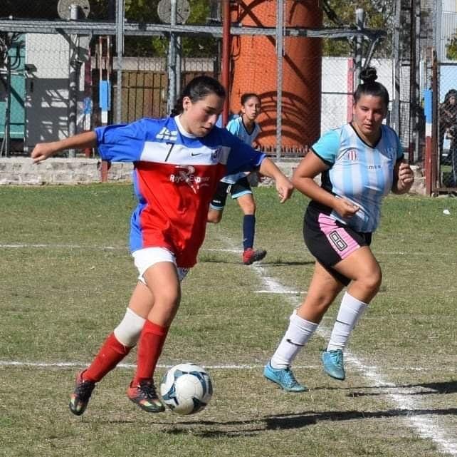 En la cancha. En el debut, el equipo de Tiro Suizo  venció a San  Martín por 2 a 0