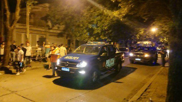 Personal policial de la UR II colaboró con la Municipalidad en los operativos de control esta madrugada.