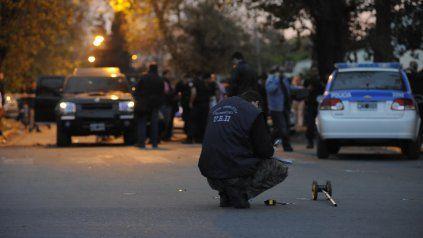 Julián Ramiro Alcaraz, de 19 años, murió luego de ser blanco de una feroz balacera en Centeno al 200, en zona sur.