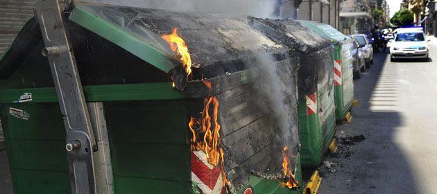 Los incendios de contenedores se mantienen a la orden del día en las calles rosarinas. (Foto archivo)