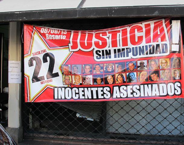 Los familiares reclamaron ante el Enargas por la explosión de agosto de 2013. (Foto: A. Celoria)