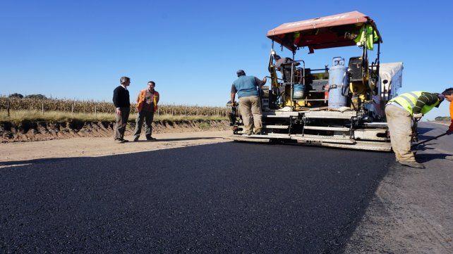 El plan implica la construcción de 265 kilómetros de nuevos pavimentos