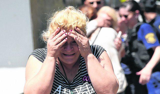 incontenible. El dolor de familiares y allegados a las víctimas se vio en cada uno de quienes llegaron al lugar.
