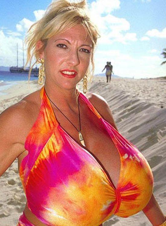 Los senos más grandes del mundo están en peligro
