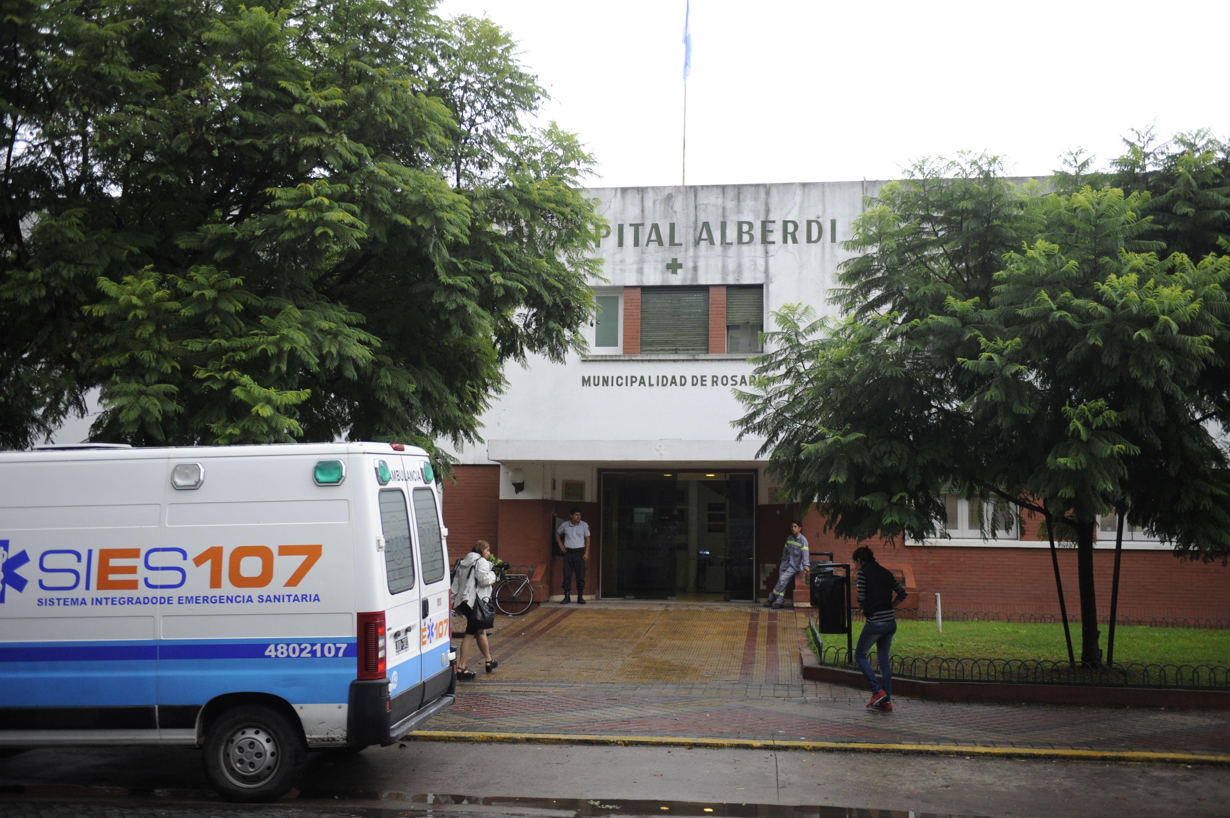 El Hospital Alberdi. La víctima del robo fue atendida en el nosocomio de zona norte.