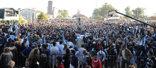 El aniversario por la famosa revolución agraria convoca una multitud año tras año. (Foto: C. Mutti Lovera)