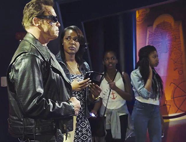 Arnold Schwarzenegger revivió al implacable Terminator para gastar bromas en un museo de cera