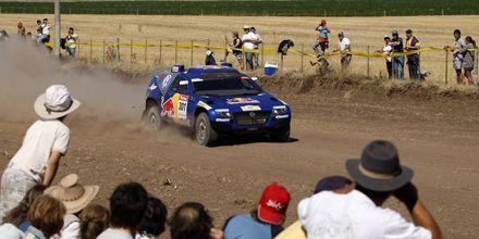 Carlos Sainz, Marc Coma, Cristophe Declerck y Gerard De Rooy lideran el Rally Dakar