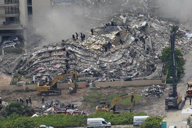 Imagen aérea de la catástrofe. El colapso total es un enigma para los ingenieros.