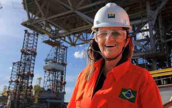 Foster se convirtió en presidenta de Petrobras en 2012. La oposición exigió su destitución o renuncia.