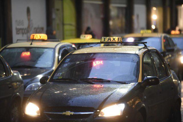 Entre la noche del jueves y la madrugada del viernes se dieron al menos cuatro asaltos a taxistas.