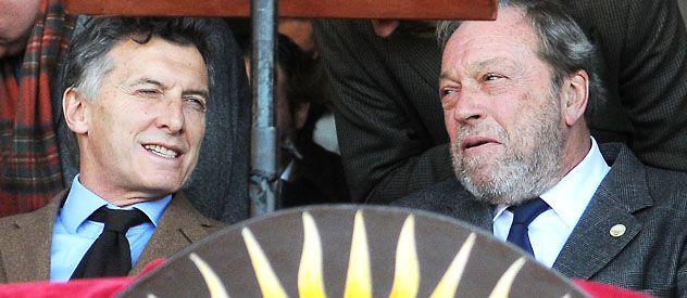 Cabeza a cabeza. Mauricio Macri compartió el palco con el titular de la Sociedad Rural