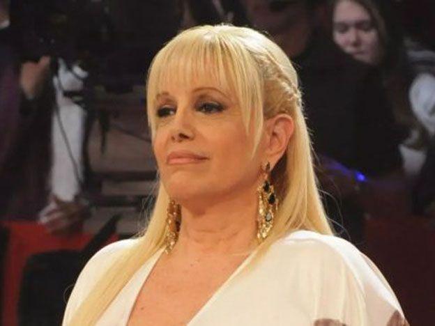 Valeria Lynch.