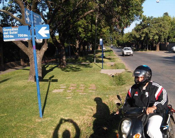 El joven fue baleado en González del Solar y Juan José Paso. (Foto: A. Celoria)