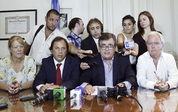 Los jefes de las bancadas opositoras reclamaron la derogación del acuerdo con la República Islámica de Irán.
