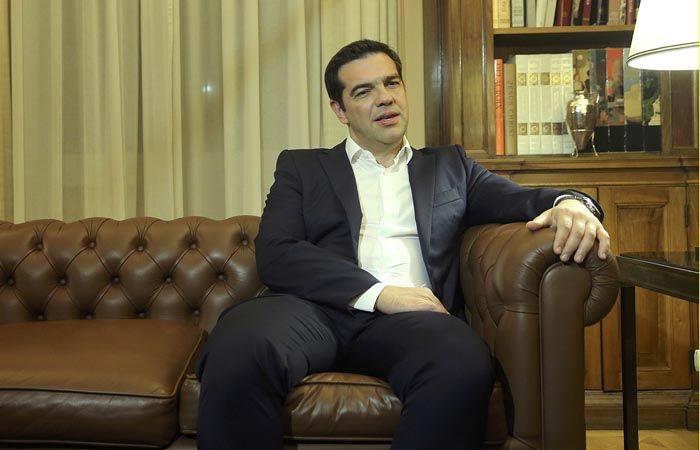 Tsipras renunciará por la tarde y llamará a elecciones anticipadas para el próximo 20 de septiembre.