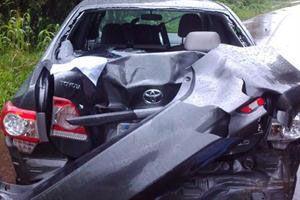 Siniestro. La familia fue atropellada por el Toyota Corolla de la foto.